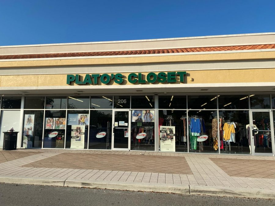 Plato%27s+closet%2C+a+minority-owned+clothing+store+in+Royal+Palm+Beach%2C+sells+gently+used+clothing+and+accessories.+According+to+the+US+senate+committee+on+small+businesses%2C+four+million+minority+businesses+were+reported+to+have+operated+in+the+U.S.