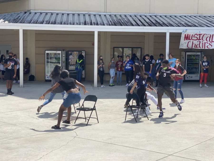 On September 29, SGA hosted a lively game of musical chairs to keep Homecoming Week rolling.